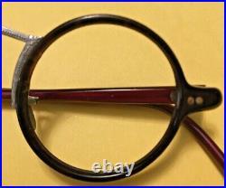 Vintage Black Round Frame Eyeglasses Metal detailed center metal nose pieces