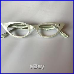 4f5b0506f8 White Cateye Glasses